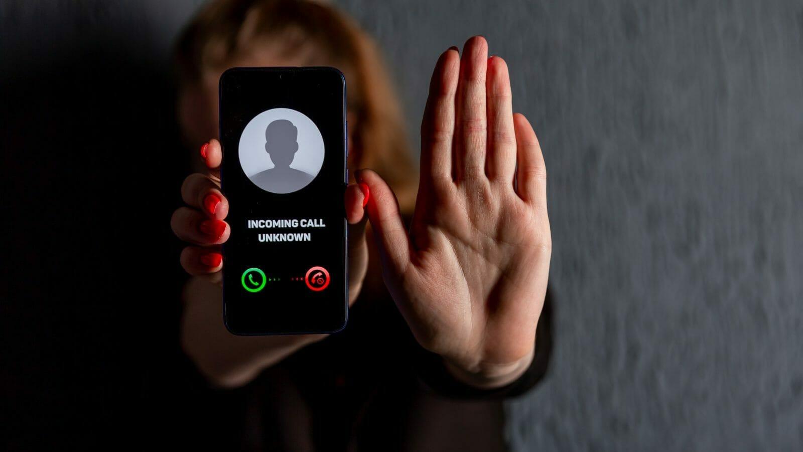 stop robocalls phone screen
