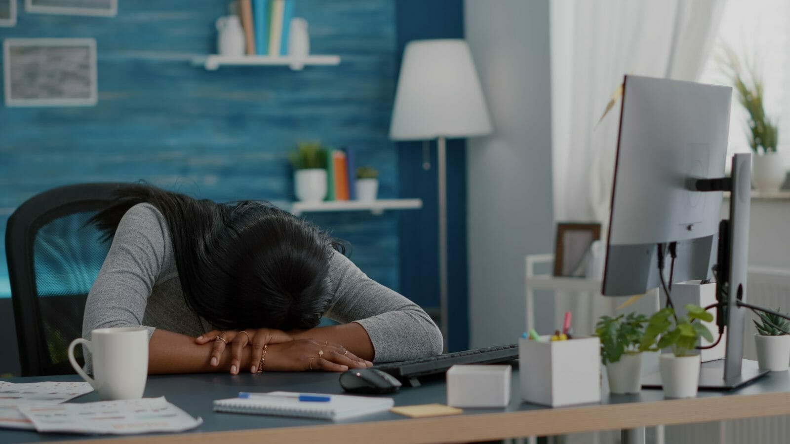 frustrated woman working remotely
